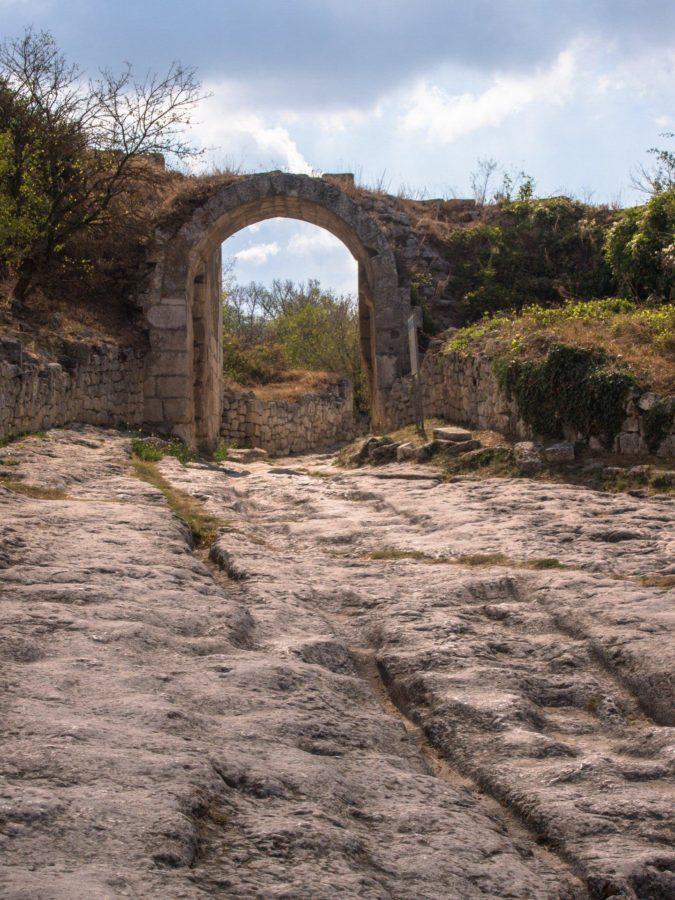Городские ворота Чуфут Кале