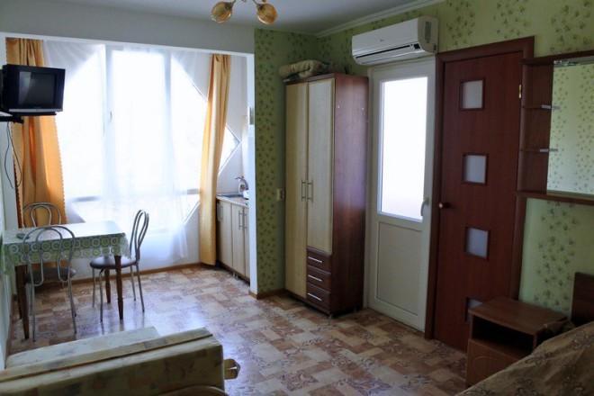 номер в гостинице уютный дворик