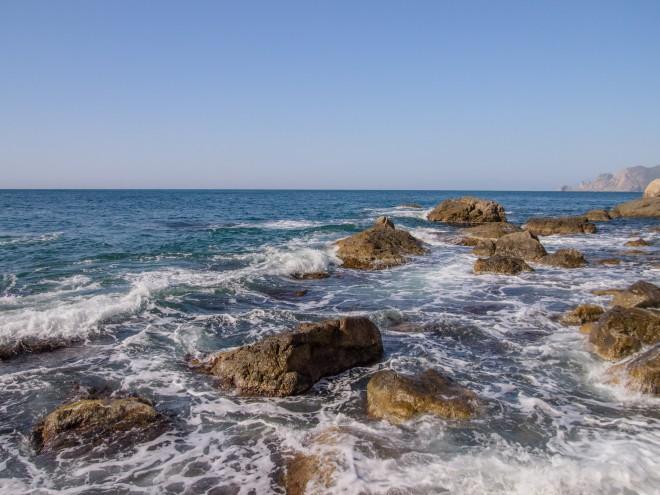 каменистый берег Судак