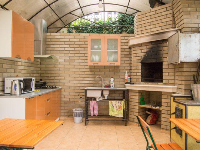 кухня в вилле Цитадель в Алуште