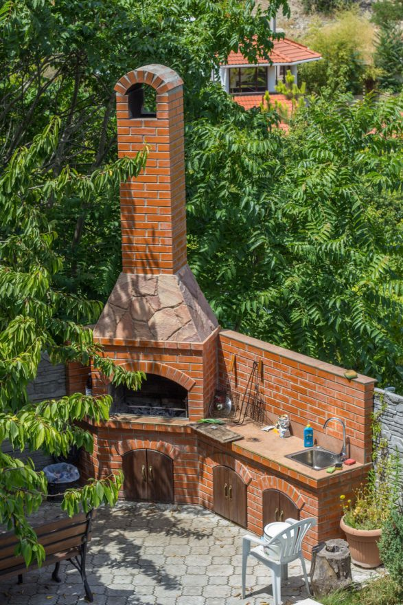 мангал в гостевом доме Багира Севастополь