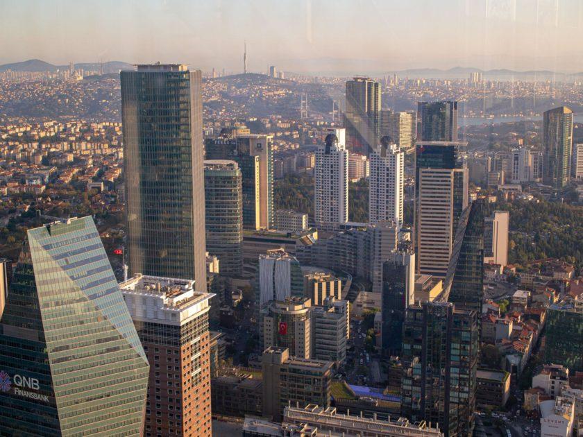 вид на Стамбул с небоскреба Сапфир
