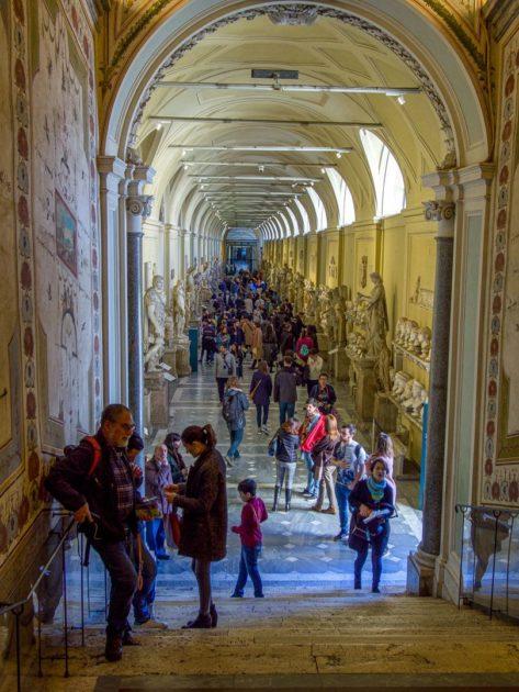 Залы музеев Ватикана