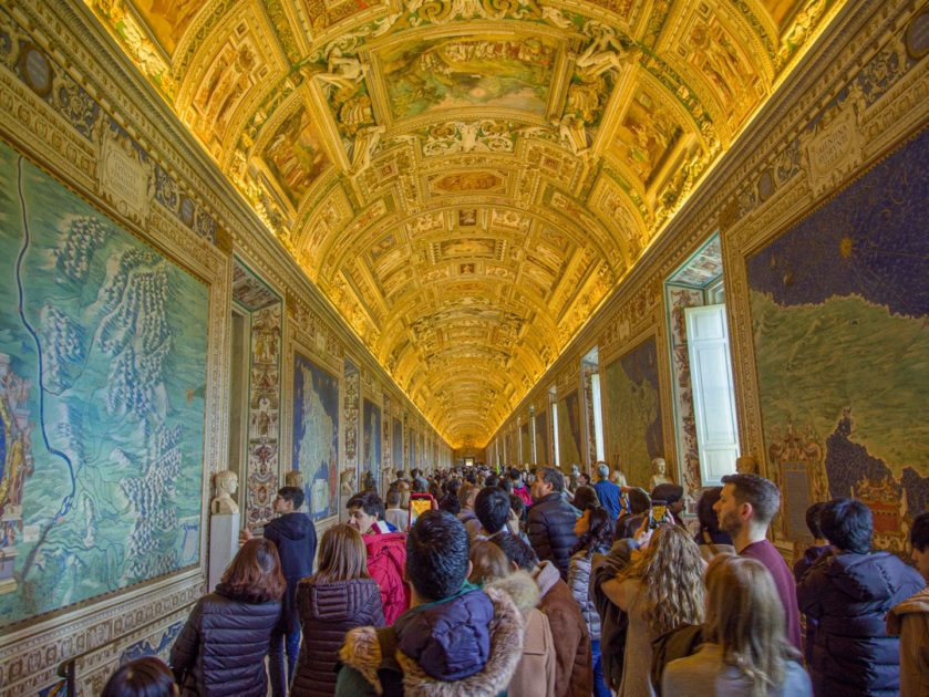Зал карт в музеях Ватикана