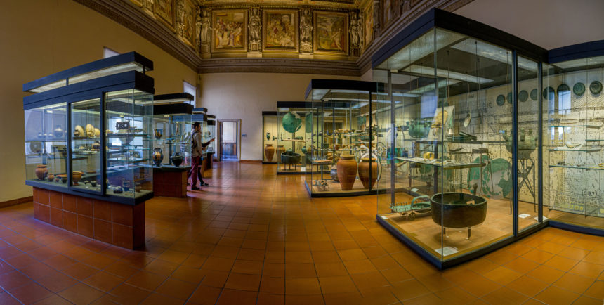 Этрусский зал в музеях Ватикана