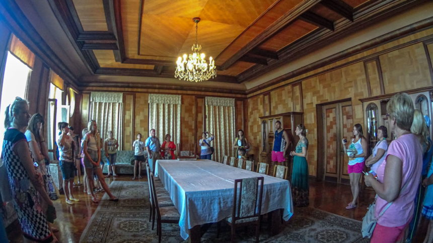зал для приемов в даче Сталина